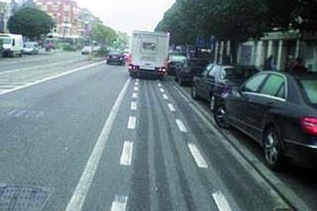 La police doit montrer l'exemple pour le respect des pistes cyclables … et des citoyens !